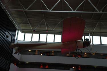 Sofitel_lobby_plane