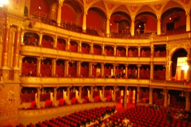 State_opera_house_interior