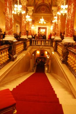 State_opera_royal_staircase