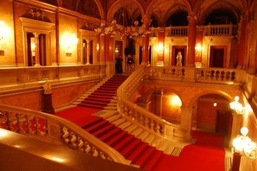 State_opera_staircase